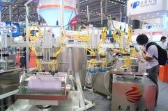 Семнадцатое экспо Китая международное электронно-оптическое, который держат в конвенции Шэньчжэня и выставочном центре стоковое изображение rf