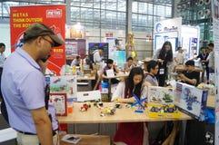 Семнадцатое экспо Китая международное электронно-оптическое, который держат в конвенции Шэньчжэня и выставочном центре стоковая фотография rf