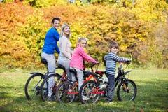 Семьи с дет Стоковая Фотография