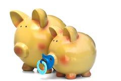 семья банка piggy стоковые фотографии rf