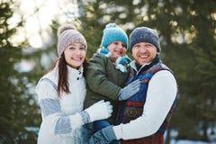 Семья в зим-носке Стоковая Фотография RF
