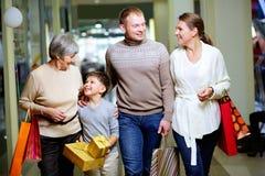 Семья в моле Стоковое Фото