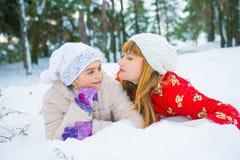Семья в парке зимы Стоковое фото RF