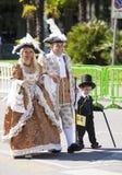 Семья в старом венецианском историческом костюме Стоковое Фото