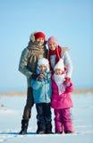 Семья в winterwear стоковая фотография rf