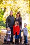 Семья из пяти человек Outdoors Стоковое Изображение