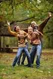 Семья из четырех человек в осени Стоковая Фотография RF