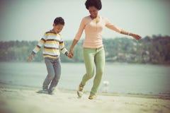 Семья, любовь которая говорит самое громкое стоковая фотография