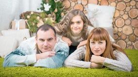Семья матери, отца и дочери Стоковые Изображения RF
