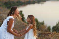 Семья Мать и дочь Стоковые Изображения RF