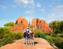 Семья наслаждаясь временем совместно на каникулах Стоковые Изображения