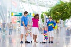 Семья на авиапорте Стоковые Изображения RF