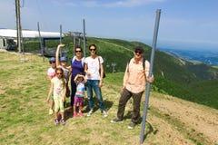 Семья на горе Стоковое Изображение RF