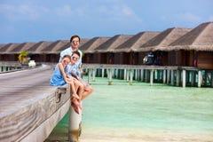 Семья на летних каникулах на курорте Стоковое Изображение RF