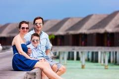 Семья на летних каникулах на курорте Стоковая Фотография RF