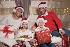 Семья на Кристмас Стоковая Фотография