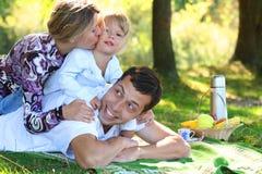 Семья на пикнике Стоковые Изображения