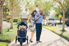 Семья на прогулке Стоковое Изображение RF