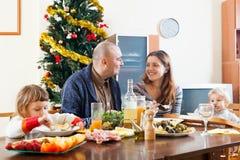 Семья на рождестве Стоковые Изображения