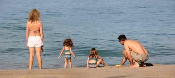семья пляжа Стоковая Фотография RF
