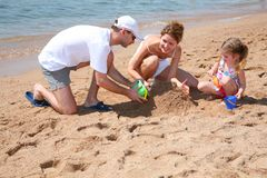 семья пляжа стоковое изображение rf