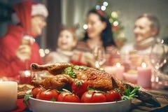 Семья празднует рождество Стоковые Изображения RF