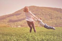 семья принципиальной схемы счастливая Стоковые Изображения
