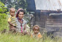 Семья племени Dani Стоковое Изображение