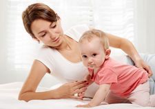 семья счастливая младенец ее мать Стоковая Фотография RF