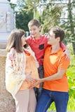 Семья с беременным отцом и сыном матери Стоковые Изображения RF