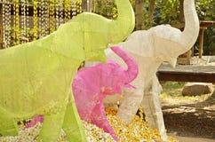 Семья слона цвета бумажная Стоковое Изображение