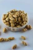Семя арахисов Много арахисов в раковинах поднимающее вверх арахисов mkii eos dof конца предпосылки 1ds отмелое Стоковое Изображение
