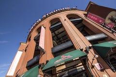 Сент-Луис, Миссури, объединенная Положени-около 2017-Exterior центра города Busch Stadium бейсбола кардиналов Сент-Луис Стоковое Изображение RF