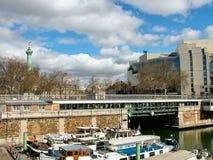 Сен-Мартен канала около Места de Ла Бастилии в Париже стоковые изображения rf