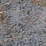 Серая грубая конкретная текстура каменной стены, Grungy вертикального крупного плана макроса старое постаретое выдержанное деталь Стоковые Изображения