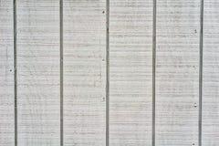 Серая деревянная предпосылка с вертикальными швами стоковые изображения