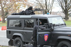 Сербские операторы жандармерии стоковое изображение rf