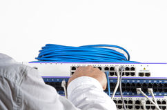 Сервер и провода во время проверки стоковые фото