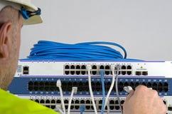 Сервер и провода во время проверки стоковая фотография rf