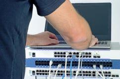 Сервер и провода во время проверки стоковое фото