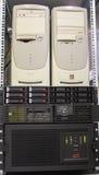 Сервер с 2 компьютерами стоковое изображение rf