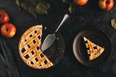 Сервер яблочного пирога и торта стоковая фотография