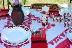 Сервировка стола на фестивале еды Стоковые Фотографии RF
