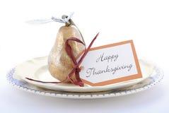 Сервировка стола благодарения с грушей золота Стоковое Изображение RF