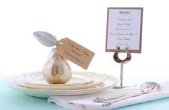 Сервировка стола благодарения с грушей золота Стоковая Фотография