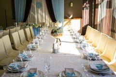 Сервировка стола, сервировка ресторана, интерьер ресторана, пустое стекло Стоковые Изображения
