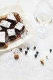 Сервировка стола, торт пирожного десерта шоколада с ягодами на PA Стоковое Фото