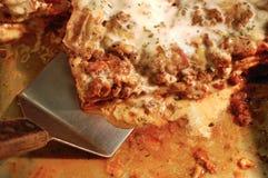сервировка lasagna Стоковые Изображения
