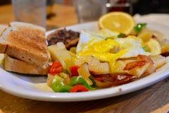 Сердечный очень вкусный завтрак стоковые фотографии rf