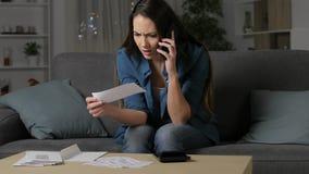 Сердитая женщина требуя неправильное получение сток-видео
